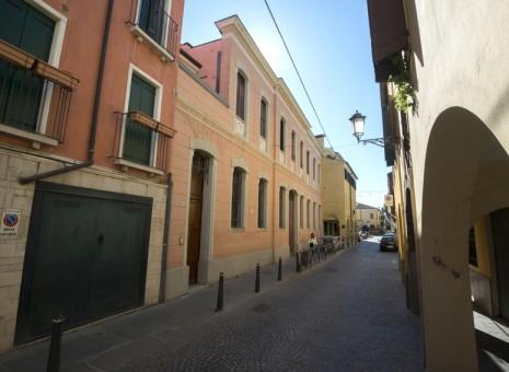 Casa Battisti: Via Battisti